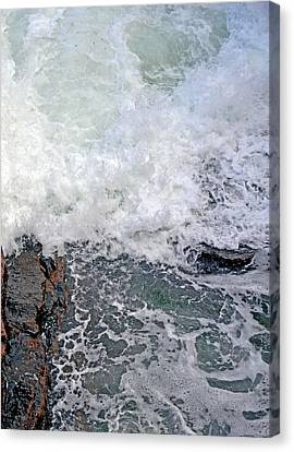 Rocky Maine Coast Canvas Print - Tidal Surge At Thunder Hole by Lynda Lehmann