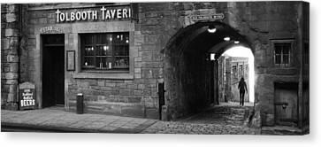 Tolbooth Tavern. Edinburgh. Scotland Canvas Print by Bakhtiar Umataliev