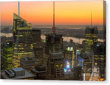 Top Of The Rock Twilight Ix Canvas Print by Clarence Holmes