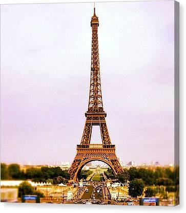 Tour Eiffel Canvas Print by Luisa Azzolini
