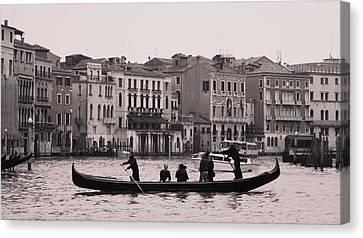 Traghetto Venice Canvas Print by Luis and Paula Lopez