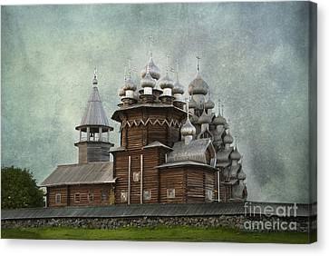 Transfiguration Cathedral. Kizhi Island. Russia Canvas Print by Juli Scalzi