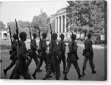 Troops At The University Of Alabama Canvas Print by Everett