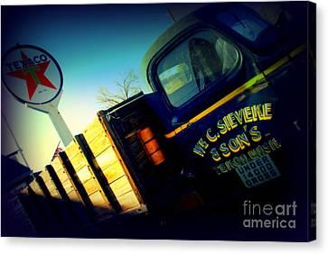 Truck On Route 66 Canvas Print by Susanne Van Hulst
