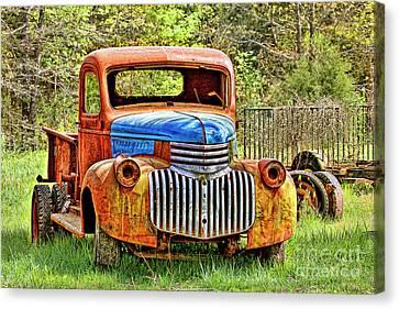 Trusty And Rusty Old Truck Canvas Print by Carolyn Fox