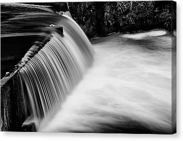 Tumwater Falls In Bw Canvas Print by Joe Urbz