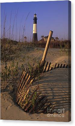 Tybee Island Lighthouse - Fs000812 Canvas Print by Daniel Dempster