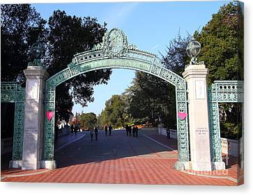 Uc Berkeley . Sproul Plaza . Sather Gate . 7d10033 Canvas Print by Wingsdomain Art and Photography