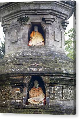 Ulun Danu Temple Statues Canvas Print by Design Pics