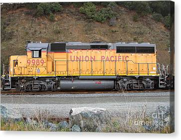 Union Pacific Locomotive . 7d10569 Canvas Print by Wingsdomain Art and Photography