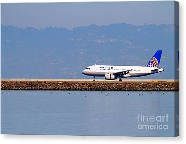 United Airlines Jet Airplane At San Francisco International Airport Sfo . 7d11998 Canvas Print by Wingsdomain Art and Photography