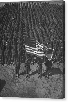 U.s. Army 41st Engineers On Parade Canvas Print by Everett