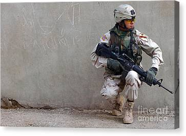 U.s. Army Soldier Armed With A 5.56mm Canvas Print by Stocktrek Images
