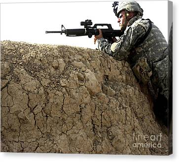 U.s. Army Specialist Looking Canvas Print by Stocktrek Images