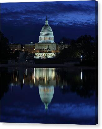 Us Capitol - Pre-dawn Getting Ready Canvas Print