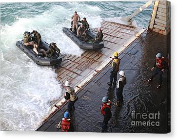 U.s. Marines Arrive At The Stern Gate Canvas Print by Stocktrek Images