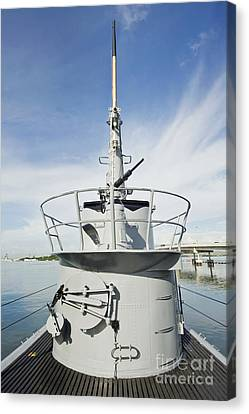 Uss Bowfin Canvas Print by Rob Tilley
