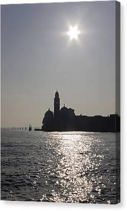 Canvas Print featuring the photograph Venezia by Raffaella Lunelli
