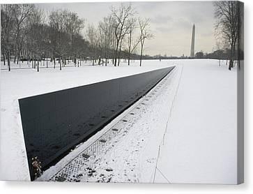 Vietnam Veterans Memorial In Winter Canvas Print