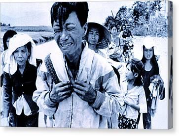 Vietnam War A Head Of Family Weeps Canvas Print by Everett