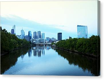 View Of Center City Philadelphia From The Schuylkill River Canvas Print by Bill Cannon