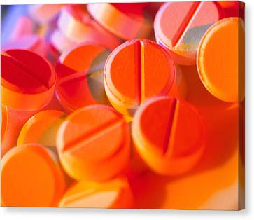 View Of Several Scored Paracetamol Tablets Canvas Print by Steve Horrell