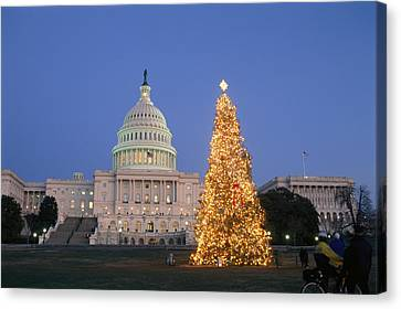View Of The National Christmas Tree Canvas Print by Richard Nowitz