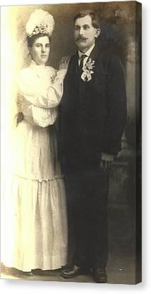 Vintage Bride And Groom Canvas Print by Alan Espasandin