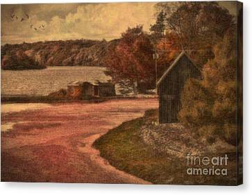 Vintage Farm Canvas Print by Gina Cormier