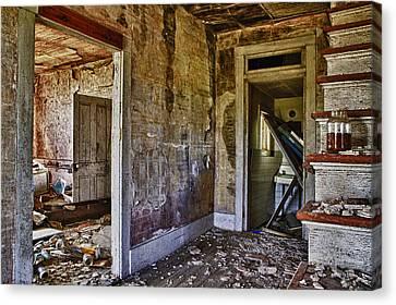 Virginia Interior Ruins Canvas Print by Greg Molesworth