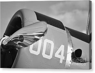 Vultee Bt-13 Valiant In Bw Canvas Print by Lynda Dawson-Youngclaus
