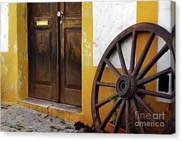 Wagon Wheel Canvas Print by Carlos Caetano
