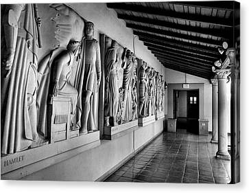 Wall Sculpture At Scripps Canvas Print by Steven Ainsworth