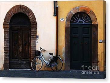 Walled City Of Lucca Canvas Print by Bob Christopher