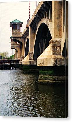 Canvas Print featuring the photograph Washington Bridge by John Scates