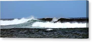Canvas Print featuring the photograph Waves On North Shore by Elizabeth  Doran