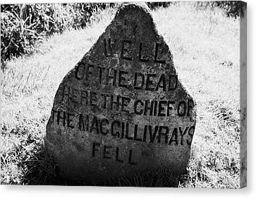 well of the dead and clan macgillivray memorial stone on Culloden moor battlefield site highlands sc Canvas Print by Joe Fox