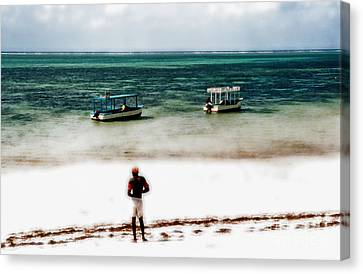 White Sands Of Mombasa Canvas Print by Gwyn Newcombe
