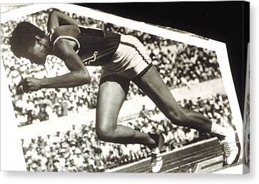 Wilma Rudolph, Winner Of 3 Gold Medals Canvas Print by Everett