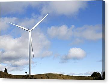 Wind Turbine  Canvas Print by Les Cunliffe