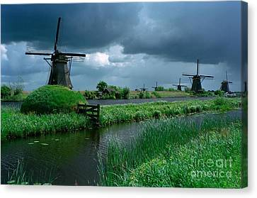 Windmills Of Kinderdijk  Canvas Print