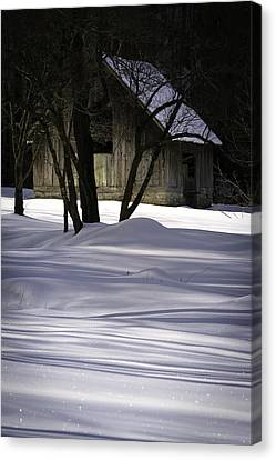 Winter Barn Canvas Print by Rob Travis