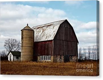 Wisconsin Dairy Barn Canvas Print by Ms Judi
