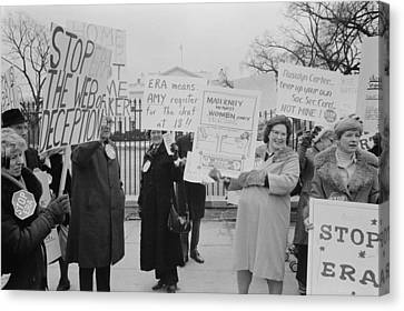 Women Demonstrating Against The Federal Canvas Print by Everett