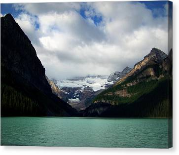 Wonderland Of Lake Louise Canvas Print