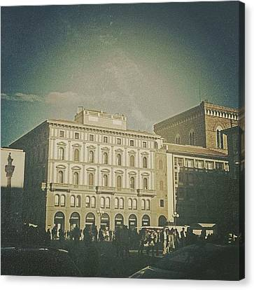 #woodcamera #florence #iphoneography Canvas Print by Andrea Bigiarini