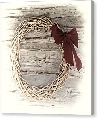 Woven Reed Wreath Canvas Print by Linda Phelps