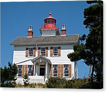 Canvas Print featuring the photograph Yaquina Bay Lighthouse by Nick Kloepping