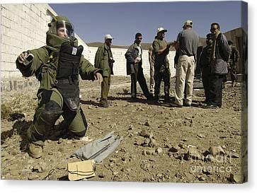 Yemen Explosive Ordnance Disposal Team Canvas Print by Stocktrek Images