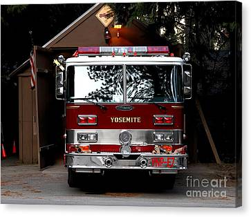 Yosemite California Fire Engine . 7d6142 Canvas Print by Wingsdomain Art and Photography